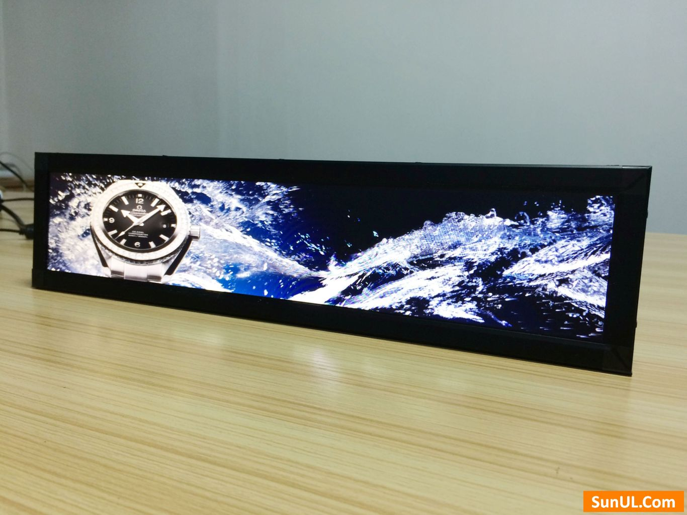 25.1 inch stretched LCD display